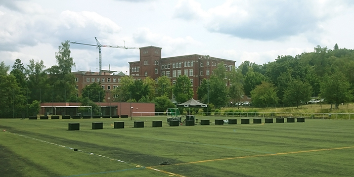 Experimental set-up on football field near d & b in Backnang, Germany. (Photo: d&b)